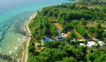 Loutrou Beach Bungalows Hotel