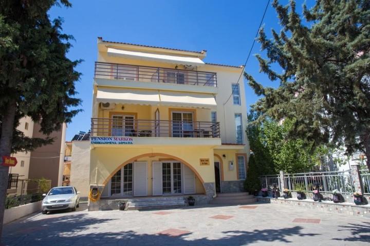 Markos Studios & Villa Markos