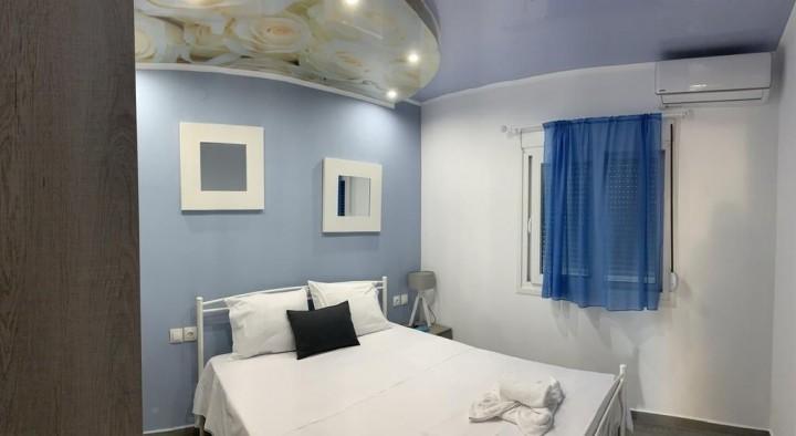 Catrine rent rooms