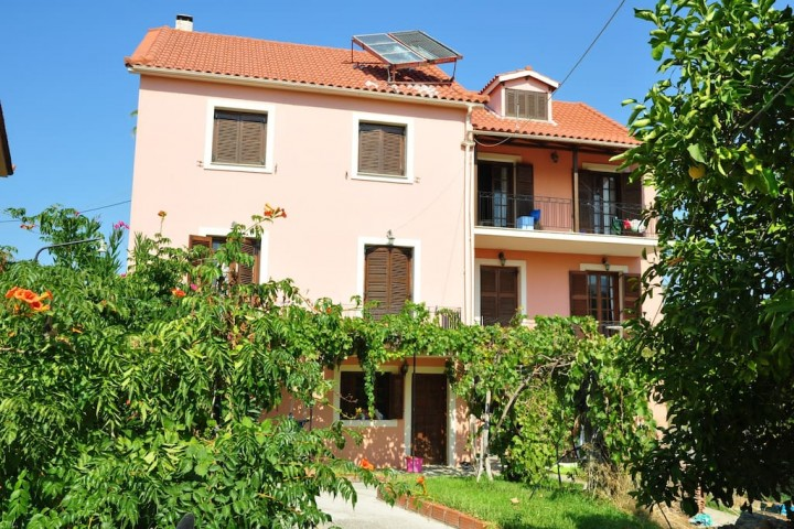 Stellatos Apartments