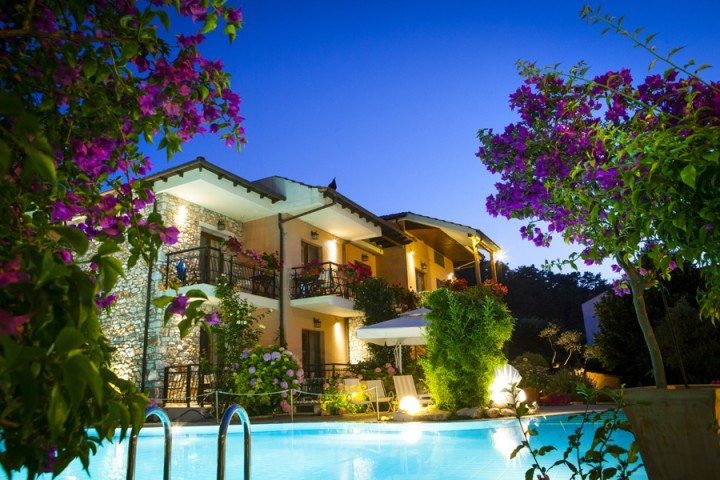 Nikoleta Luxury Villa