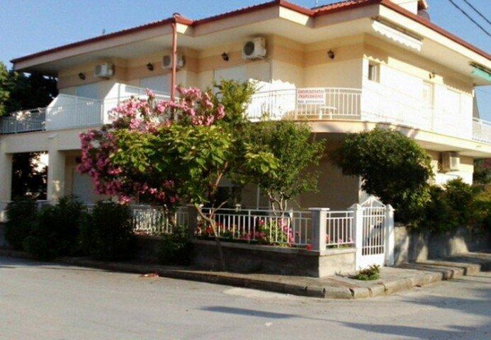 Eleni Valsami Studios & Apartments