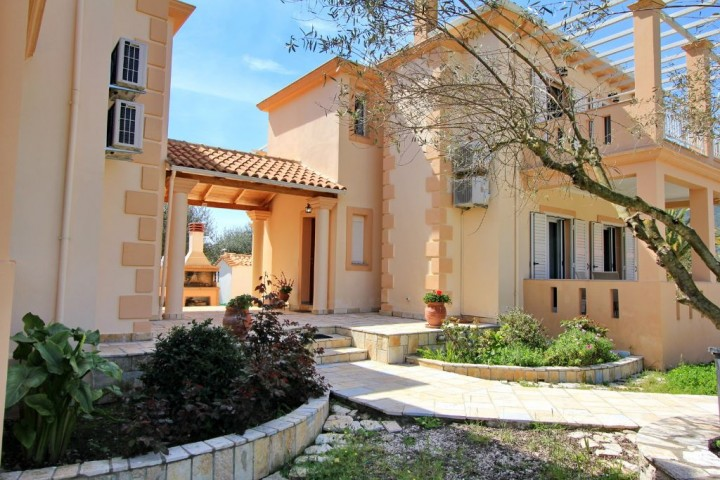 Villa Agrilida