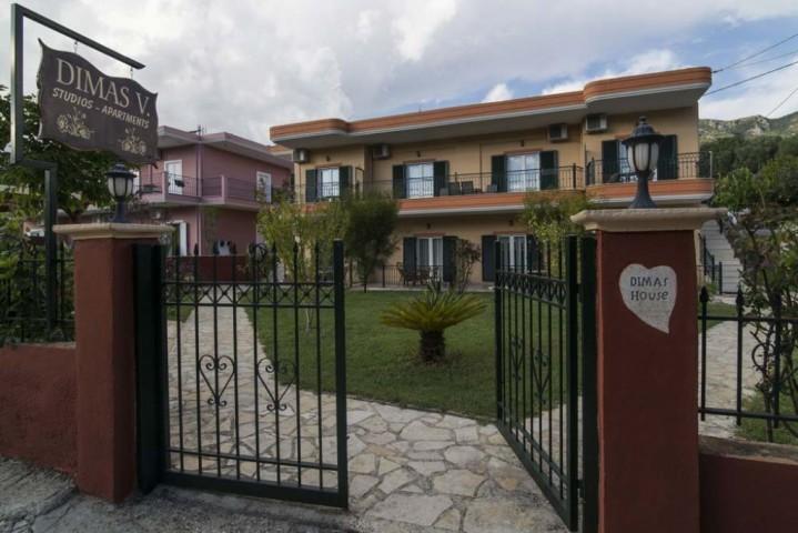Rooms & Apartments Dimas B.
