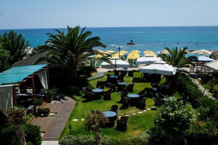 Theodora Hotel & Beach Bar