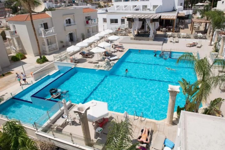New Famagusta Hotel and Suites