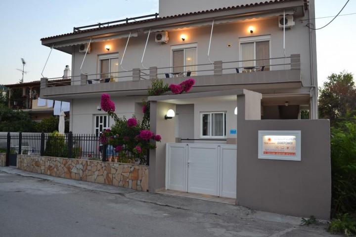 Pefki Studios & Apartments
