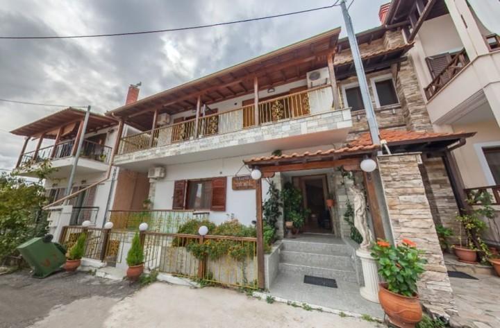 Eugenia Apartments