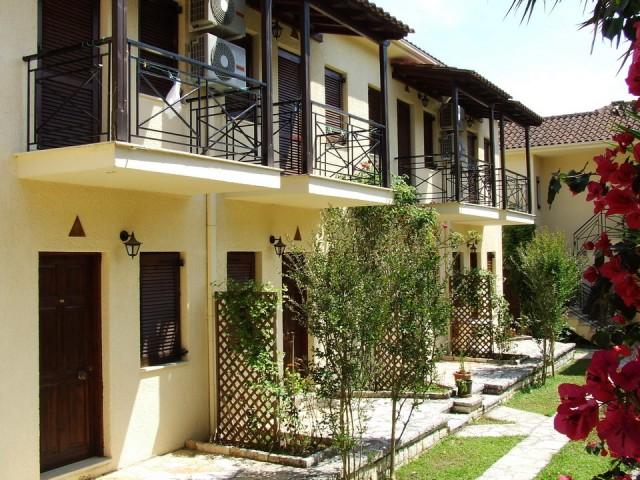 Apartments Raptis