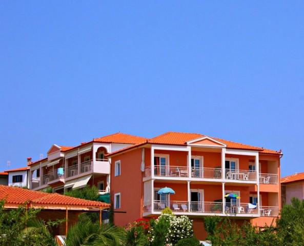 Summer House Studios & Apartments