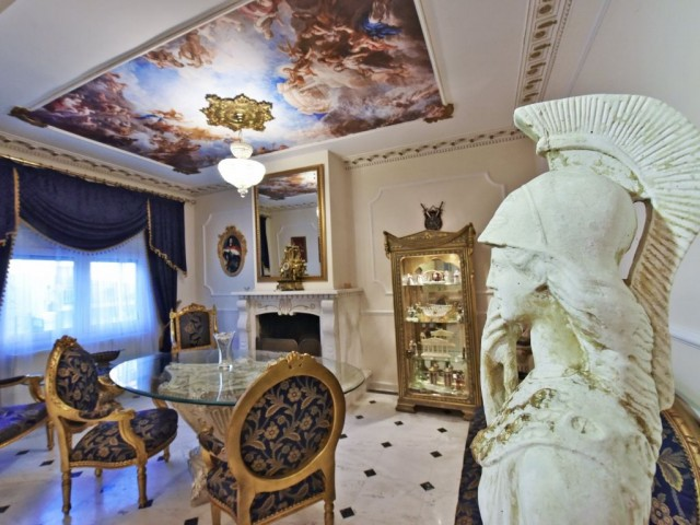 Royal House - Luxury Studio