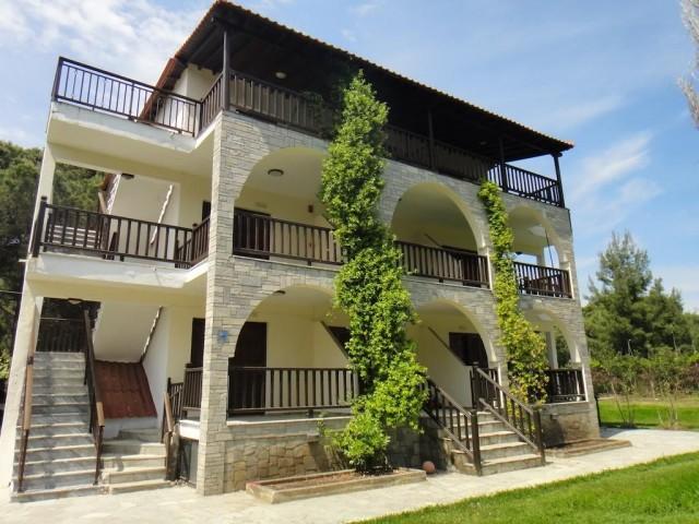 Aegialis Apartments